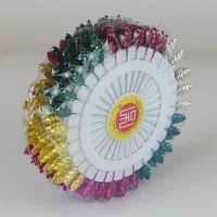 Булавки листики цветные 360шт 5см цена за упак. 10-300 (24806)